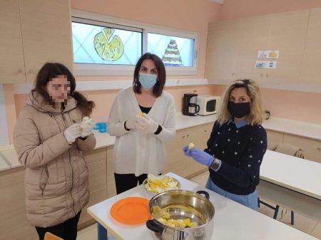 E.E.E.E.K Πύργου: Παρασκευή γλυκών κουταλιού με σύμπραξη των Εργαστηρίων Βιολογικής- Κηπουρικής και Μαγειρικής- Ζαχαροπλαστικής (photos)