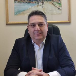 https://www.skalistiri.news/wp-content/uploads/2021/04/3-1-300x300.jpg